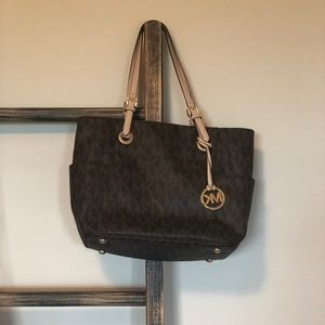 Micheal Kors Shoulder Purse in Brown with Logo